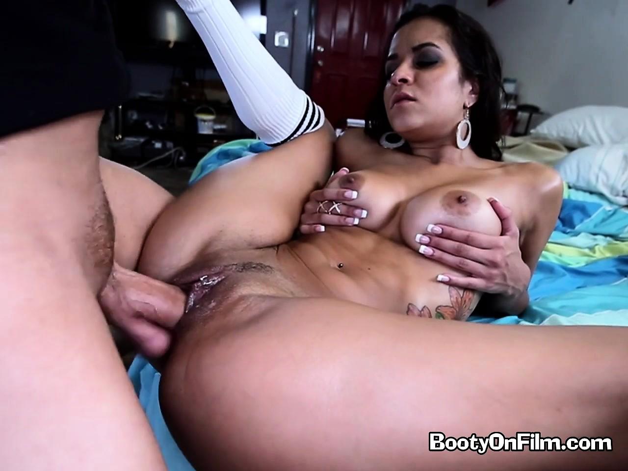 porno-roliki-s-brazilyankami